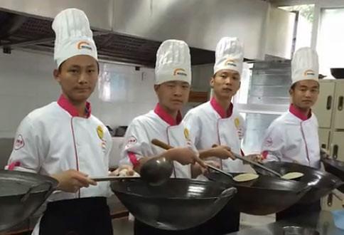 郑州新东方学子朱金富:我与望湘园炉灶班有个约会