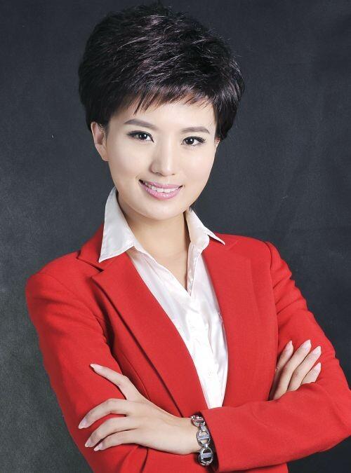 此次晚会学校邀请了河南电视台金牌主持人刘雯和金燕,相信有着丰富